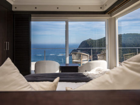 Deluxe Rooms at Head Over Hills, Knysna Heads Accommodation